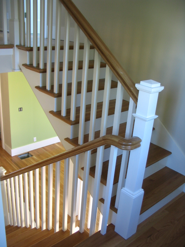 03 Stain & Painted Posts & Treads