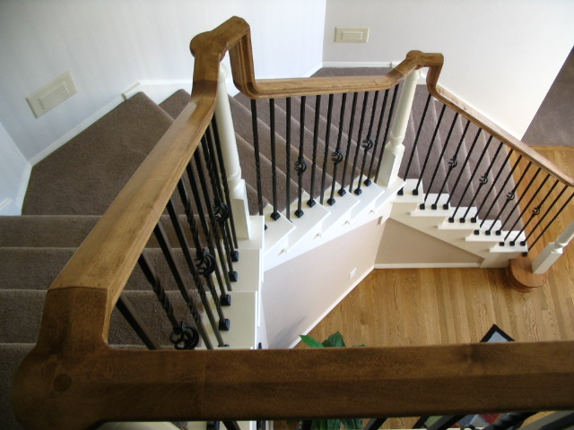 04 Stain & Painted Posts & Treads