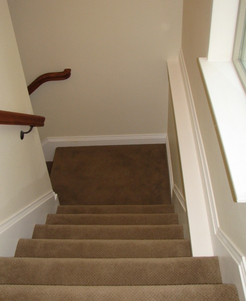 how to cut baseboard around stair landings